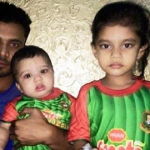 Mashrafe-Mortaza-with-his-children